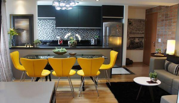 Modelos de cozinha americana com cadeiras amarelas