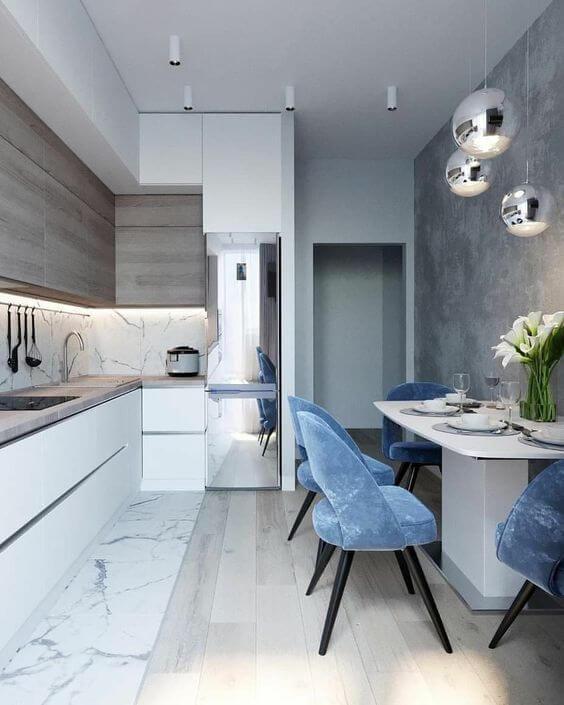 Modelos de cozinha com cadeiras em veludo azul