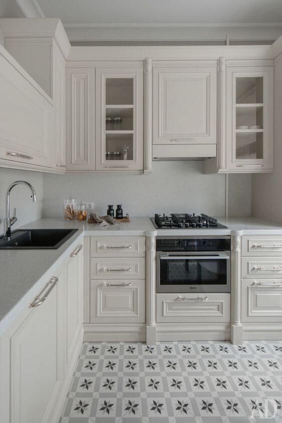 Modelos de cozinha com armários clássicos