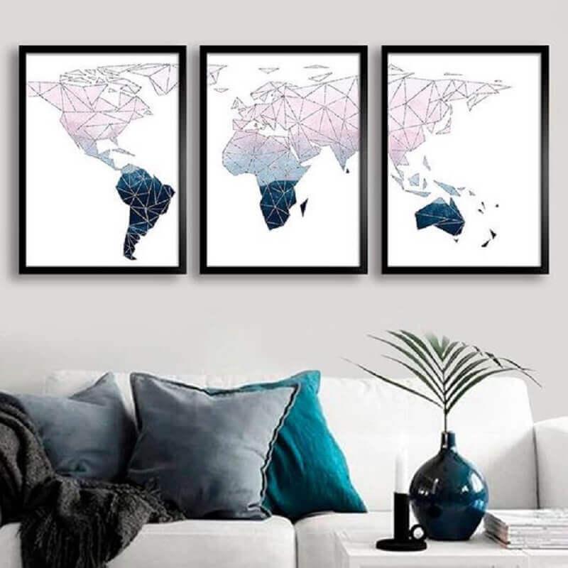 sala decorada com kit quadros tumblr com desenho de mapas Foto Encadreé Posters