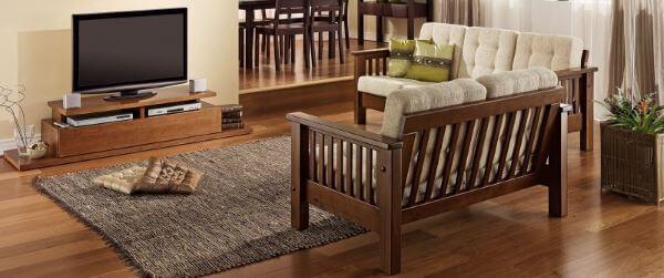 Sofá de madeira maciça