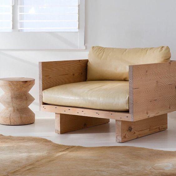 Sofá de madeira para sala de estar