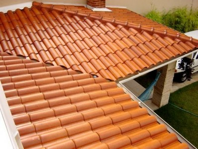 telha portuguesa - casa de campo com telhado de telha portuguesa