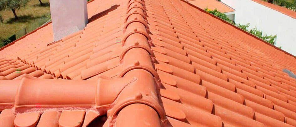telha portuguesa - parte de cima de telhado
