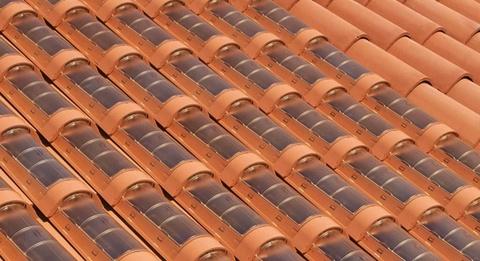 telha portuguesa - telha portuguesa com placa solar