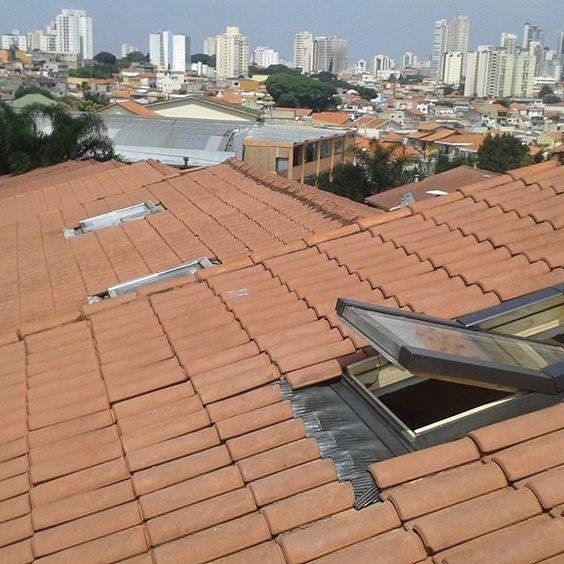 telha portuguesa - telhado com claraboia