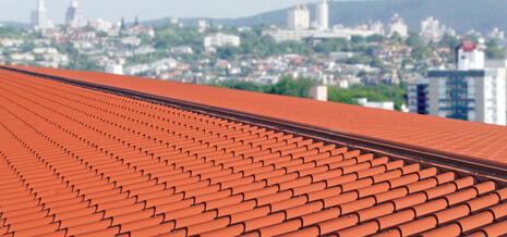 telha portuguesa - telhado grande vermelho
