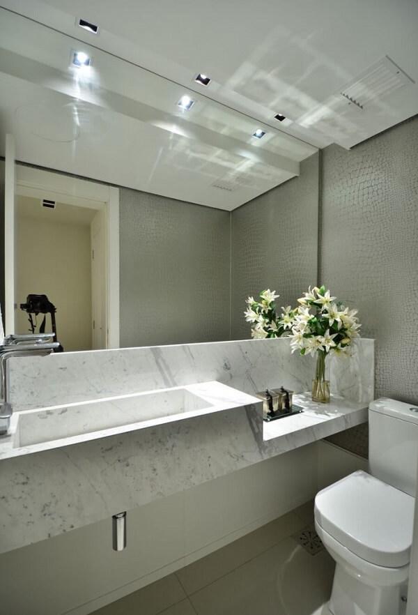 Spot de luz para iluminação da bancada do banheiro