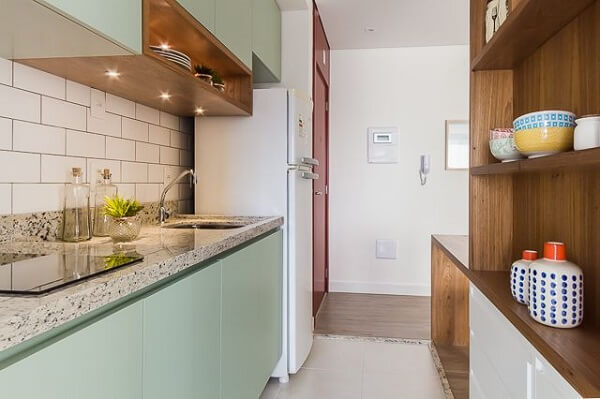 Cozinha com Spot de LED embutido no móvel