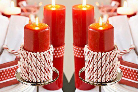 Como fazer enfeites de natal feitos com velas e caramelos coloridos ao redor