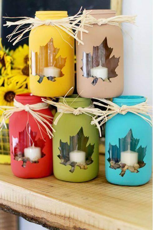 Como fazer enfeites de natal feitos com velas de natal em potes de vidro pintados