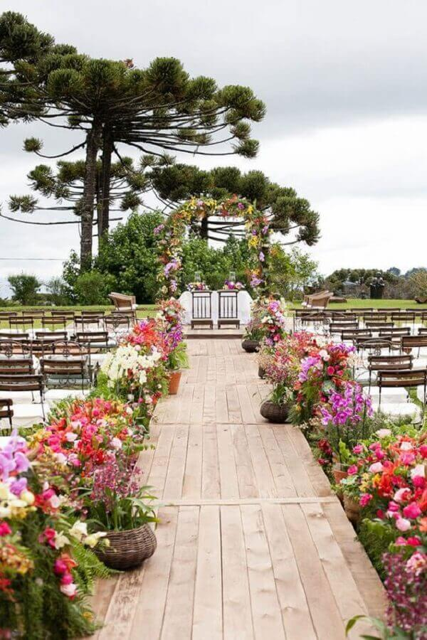 arranjo de flores para casamento simples no campo  Foto Ideias Decor