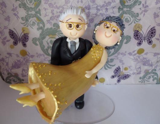 bodas de ouro - bonequinho para boda de ouro