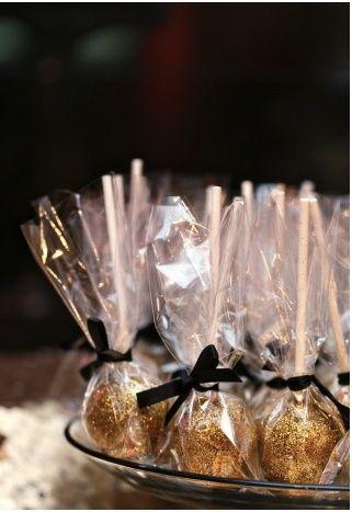 bodas de ouro - doces com decoração