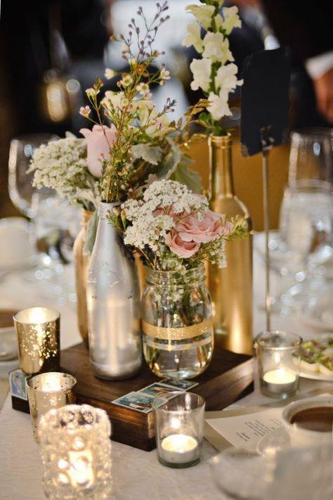bodas de ouro - enfeite de mesa com garrafas