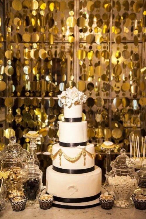 bodas de ouro - mesa de doces com bolo de andar