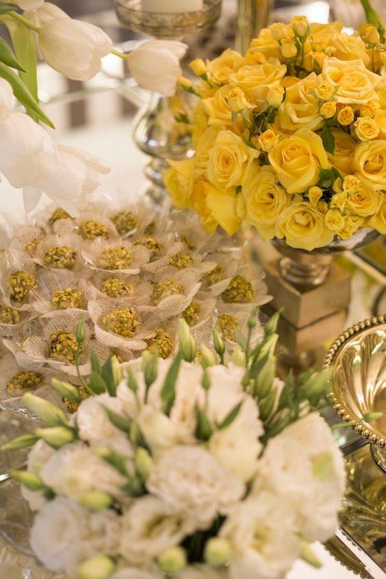 bodas de ouro - mesa de doces para bodas de ouro