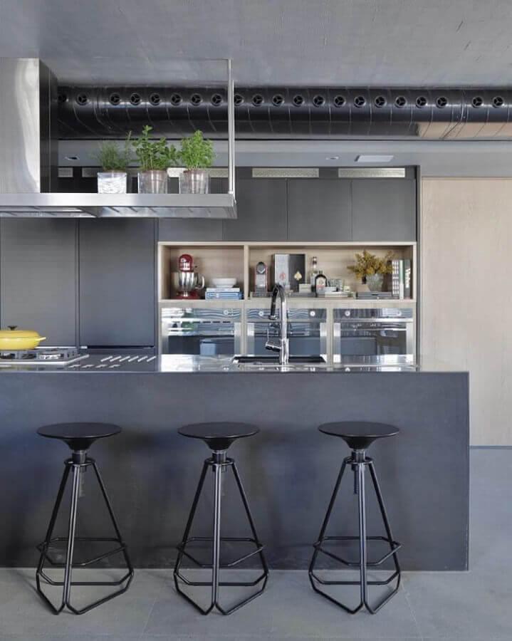 cozinha com bancada toda cinza moderna Foto Yamagata Arquitetura