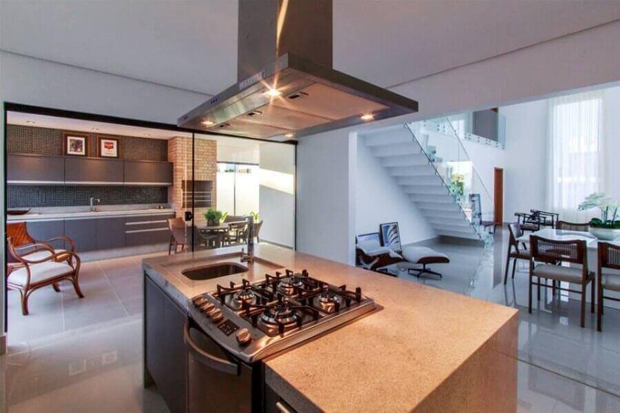cozinha moderna planejada com bancada Foto Assetproject