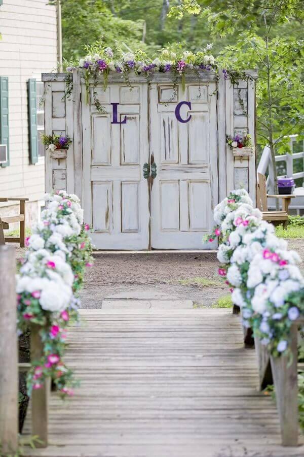 decoração de cerimonia para casamento rústico no campo  Foto Pinterest