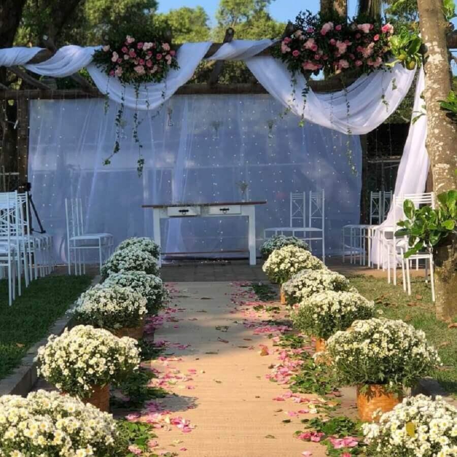 decoração para cerimonia de casamento simples no campo  Foto Bia Belinha