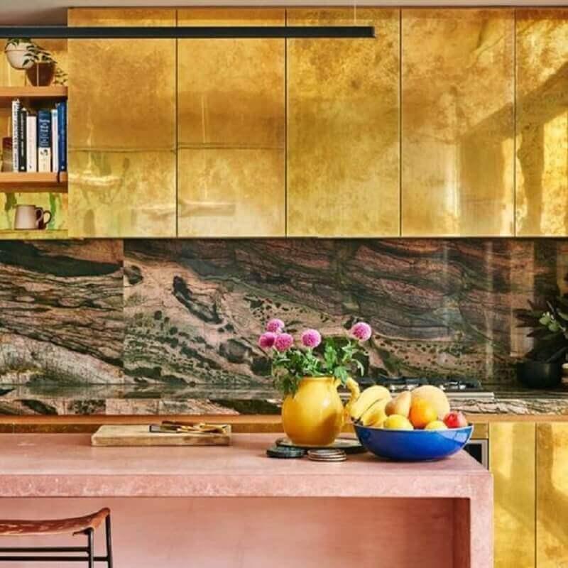 decoração para cozinha com bancada de mármore rosa Foto Revista VD