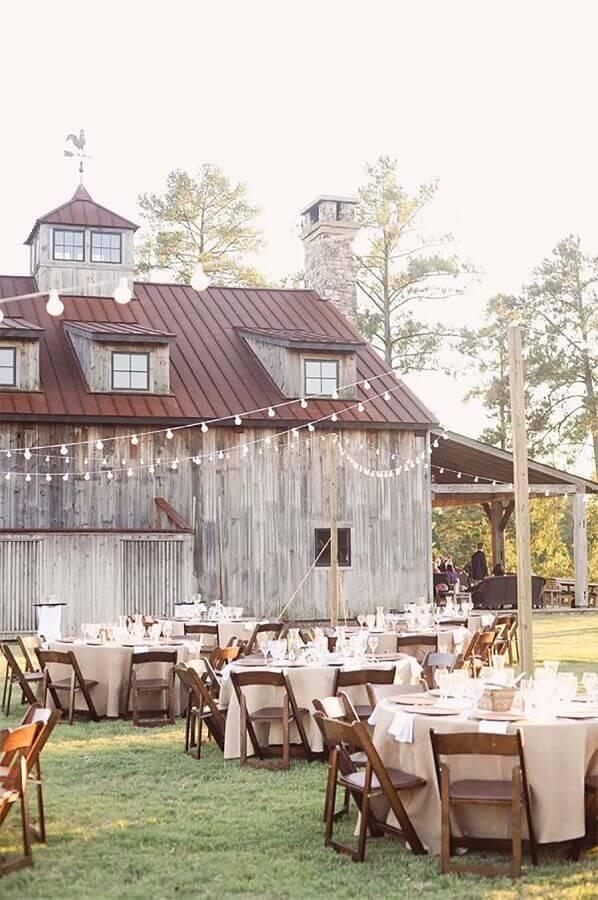 decoração para festa de casamento simples no campo Foto ELLE Decoration