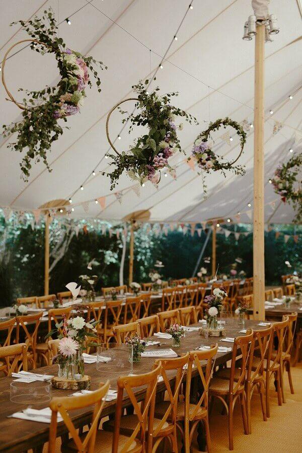 decoração romântica para festa de casamento no campo  Foto Love My Dress