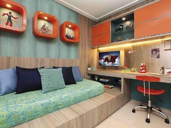Enfeites para quarto masculino com nichos laranja