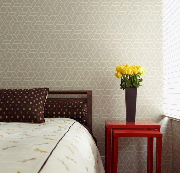papel de parede geométrico - papel de parede geométrico creme no quarto