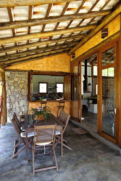 parede de pedra - parede revestido com pedra mobiliário de madeira