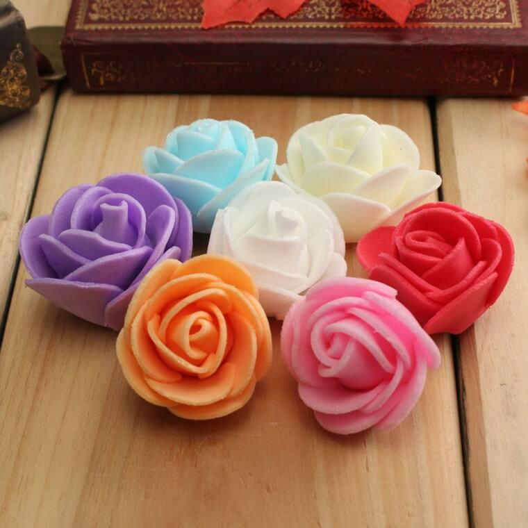 Descubra como fazer flor de EVA com formato de rosas