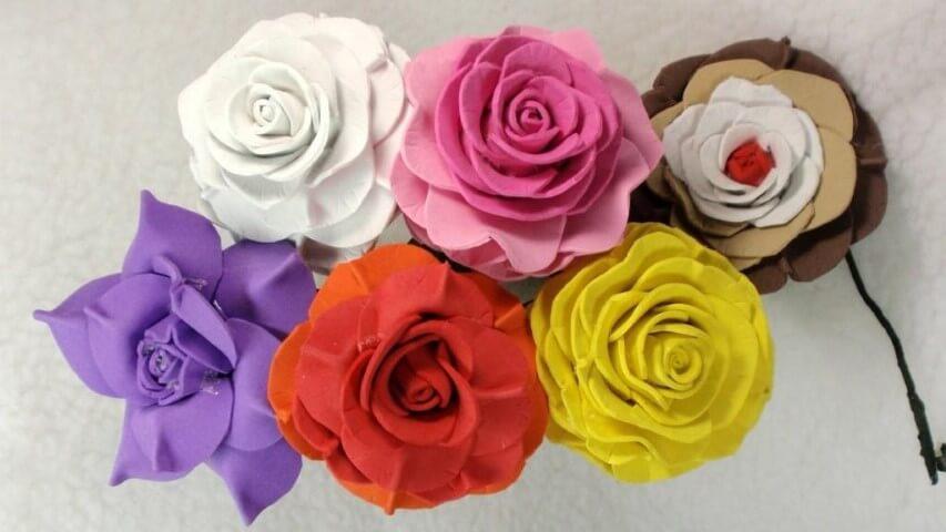 Rosas de EVA em cores diferentes
