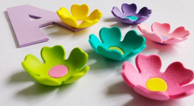Flores de EVA simples coloridas