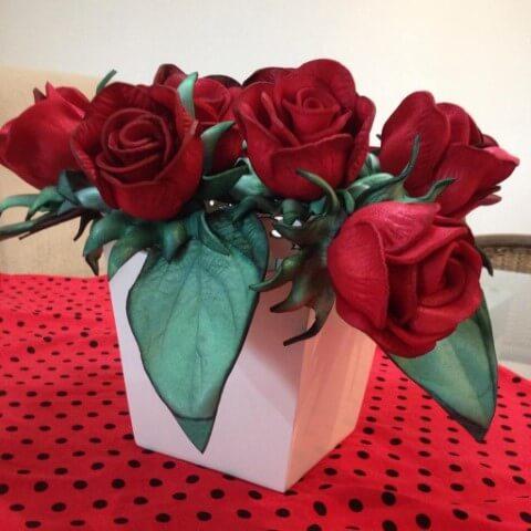 Rosas de EVA vermelhas bem realistas