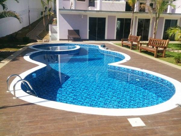 Formatos irregulares para a piscina de vinil