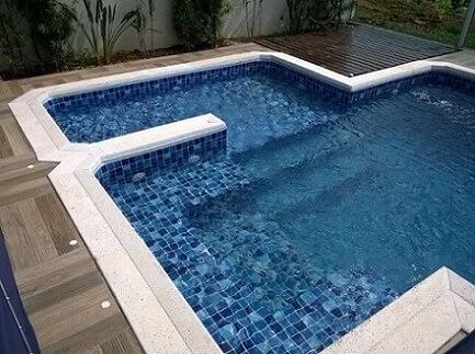 Você pode personalizar a sua piscina de vinil como preferir