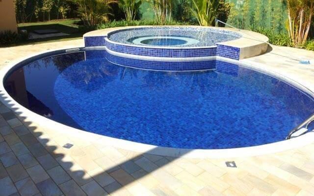 Saiba como cuidar da sua piscina de vinil e garanta a durabilidade dela