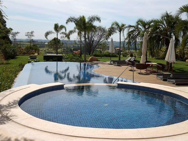 Borda de piscina redonda