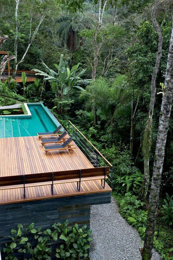 Borda de piscina infinita