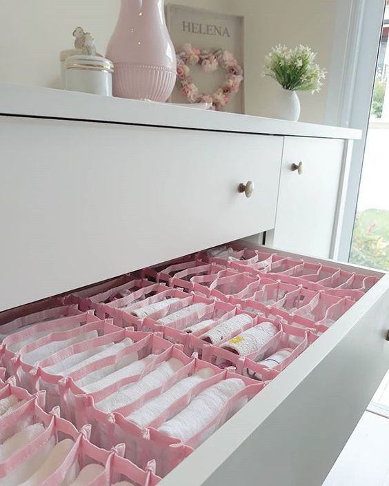 colmeia organizadora - gaveta com colmeias rosas