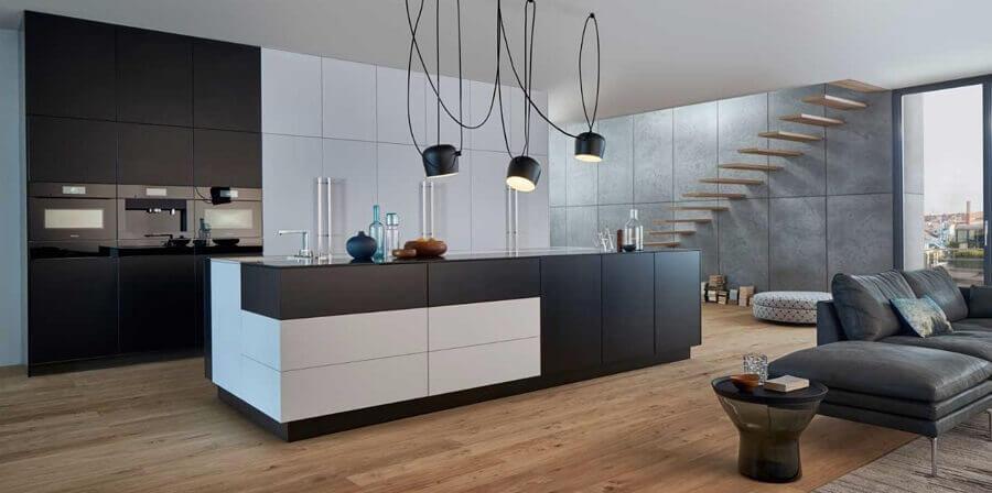 decoração moderna para sala e cozinha conceito aberto preto e branca Foto Pinterest
