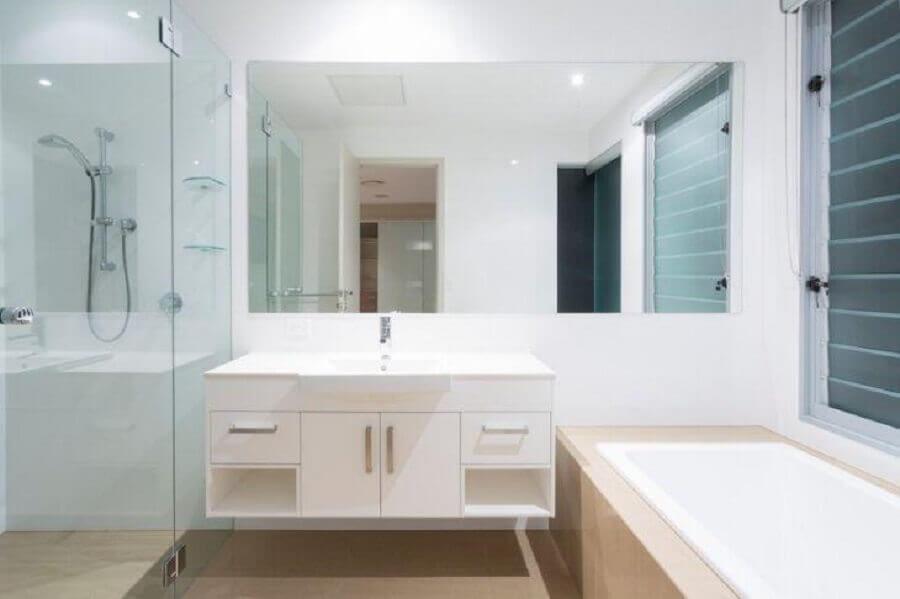 decoração simples para banheiro branco e bege Foto Istock
