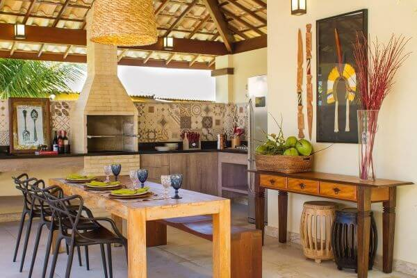Varanda gourmet na área externa da casa