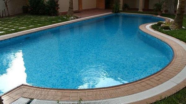 Modelo de piscina de vinil com lateral arredondada