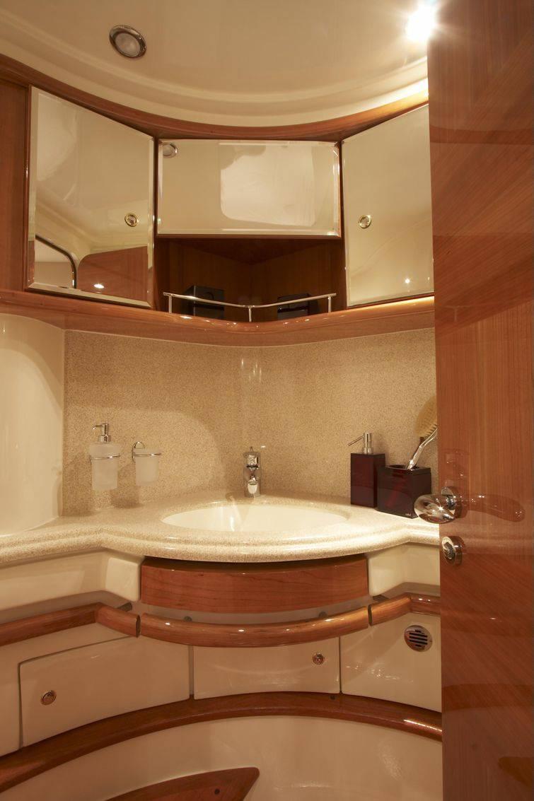 Escolha com cuidado o modelo de cuba para banheiro para que a peça não prejudique a circulação de pessoas