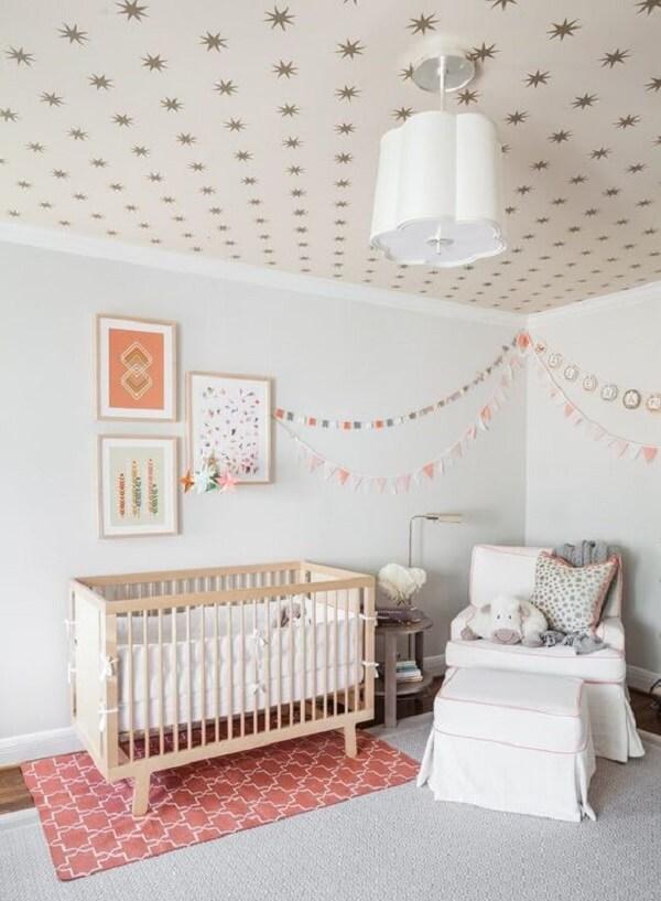 Modelo de tapete rose para o quarto de bebê