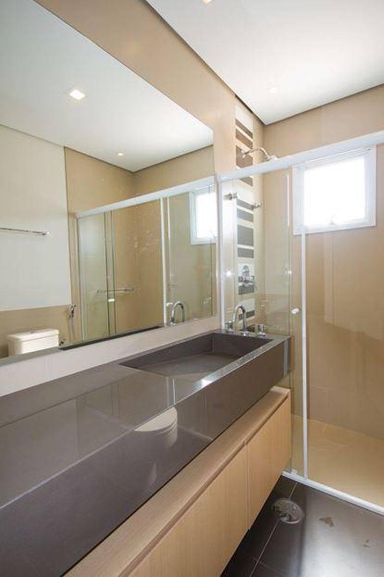 Cuba para banheiro esculpida economiza espaço no ambiente