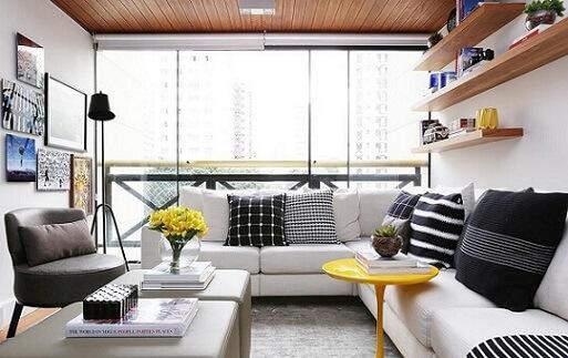 Almofadas decorativas em preto e branco Projeto de Now Arquitetura