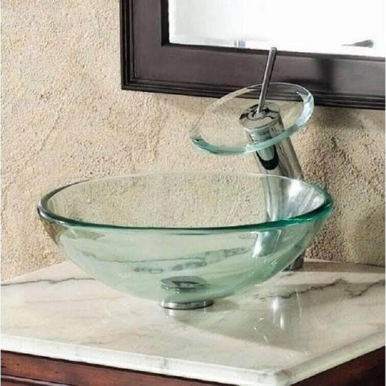 A cuba para banheiro de vidro de sobrepor é ideal para ambientes pequenos